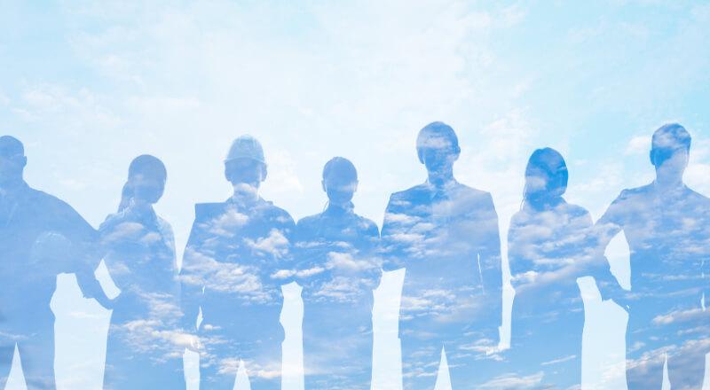 6人の人影の写真